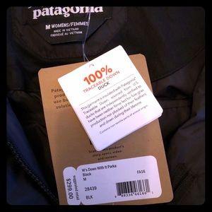 Woman's Patagonia Black Knee Length Parka-medium